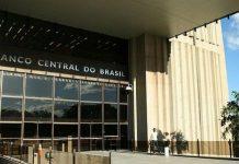 Mercado brasileño reduce a 2,7% la previsión de crecimiento en 201801 Banca News